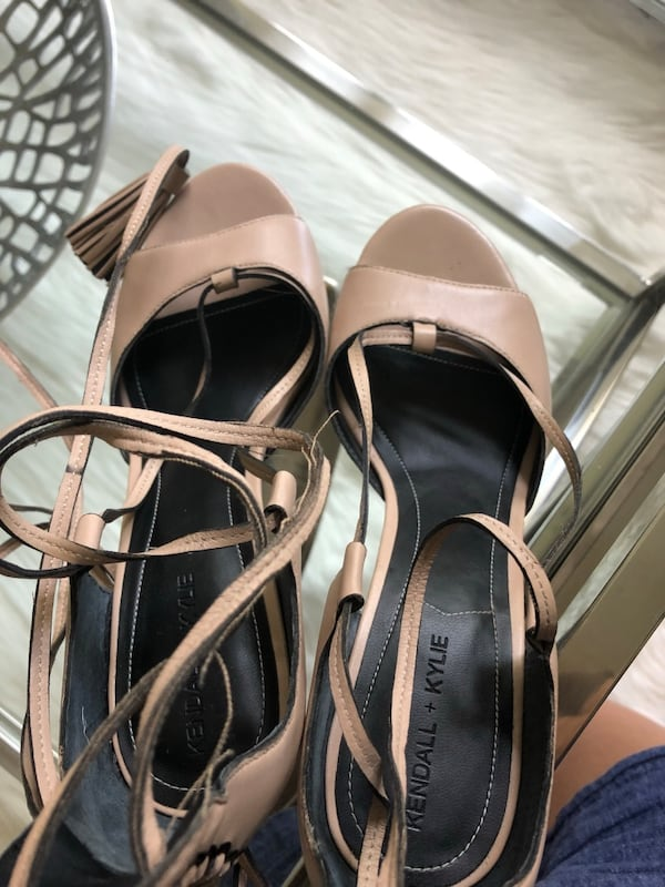 Kendall and Kylie Mira Sandal with leather tassels f69a953e-35a9-4690-b438-06ec0c0edf55