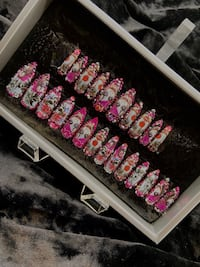 Decorated Press On/Glue On Nails! 24 pieces fits any nail size!