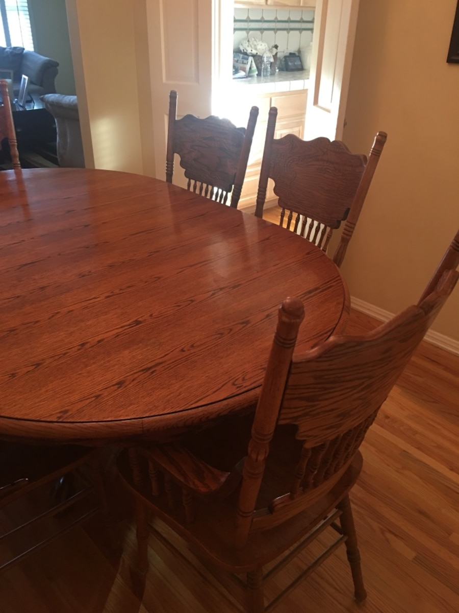 Used wood oak rustic dining table and chairs set in los for Used lumber los angeles