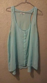 Light blue sleeveless blouse Niagara Falls, L2E 1E9