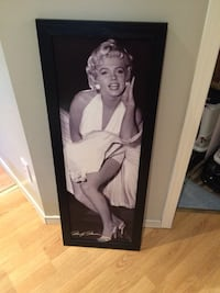 Marilyn Monroe photo with black wooden frame Laval, H7R 5Y5