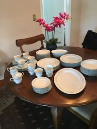 Premium China place setting for 12. Includes a large platter. Drop dead gorgeous! Maitland, 32751