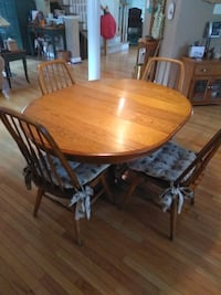Solid Oak Kitchen Table GAITHERSBURG