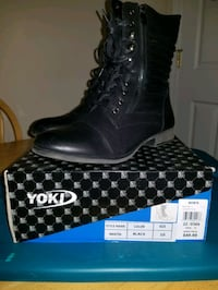 Womens boots size 10 Lowell, 01851