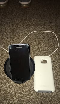 Black samsung Galaxy S7 & Fast Charging Dock with white case Jeffersonville, 47130