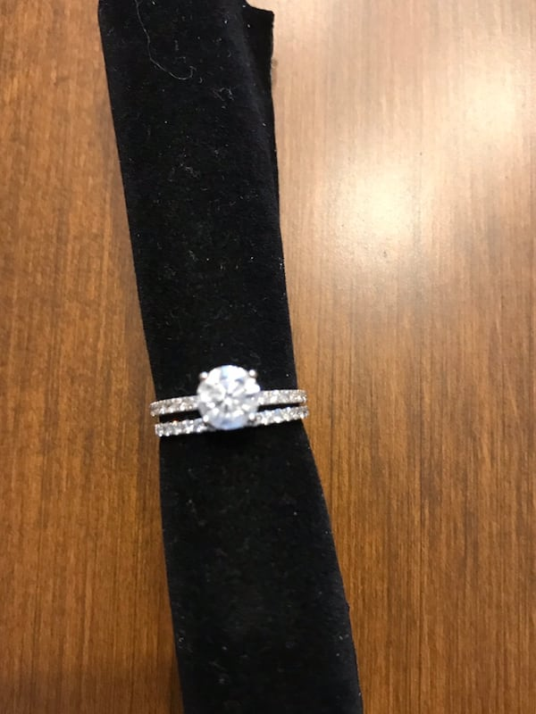 Engagement and Wedding Ring: 1bca0c3a-4b9f-421f-a133-74288b6a63bd
