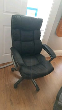 recliner/office chair  Baltimore, 21202