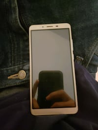 Gold Android smartphone never used Wilmington, 28409
