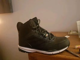 Not only comfortable and stylish but never worn size 9 mens work boots