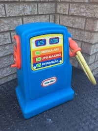 Little tikes gas pump  Mississauga, L5N 7T7