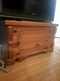 Wooden chest Barrie, L4N 1N2
