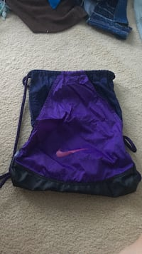 purple and black Nike drawstring pouch Woodbridge, 22192