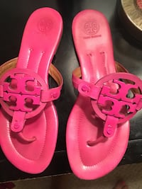 pair of pink leather Tory Burch flat sandals El Paso, 79938