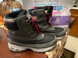 Sketchers fleece lined waterproof boots