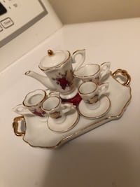 Vintage Mini Toy Tea Set from London Lorton, 22079
