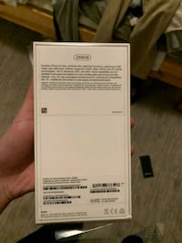 Silver iPhone xs from quebec 536 km