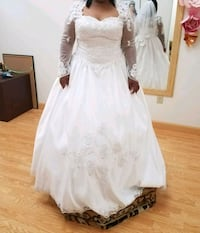 women's white wedding gown Damascus, 20872