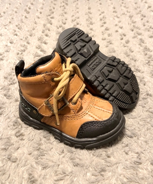 Baby polo duck boots paid $68 size 6.5 Great condition Brown 0688727e-5a15-4083-9605-4c5453881d84