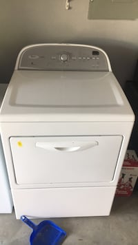 White front-load clothes washer- gas Mooresville, 28115