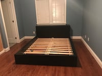 White and brown wooden bed frame Aurora, L4G 7Y5