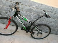 mountain bike hardtail nera e verde 6780 km