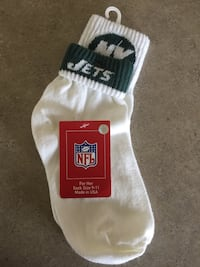 NEW NFL Jets socks (size 9-11) Brillion, 54110