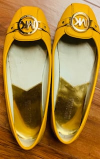 pair of yellow leather flats Richmond, V6V 2B5