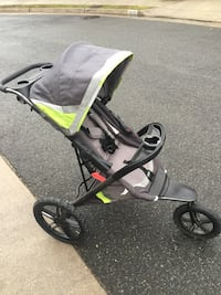 Baby's black and green jogging stroller Alexandria, 22314