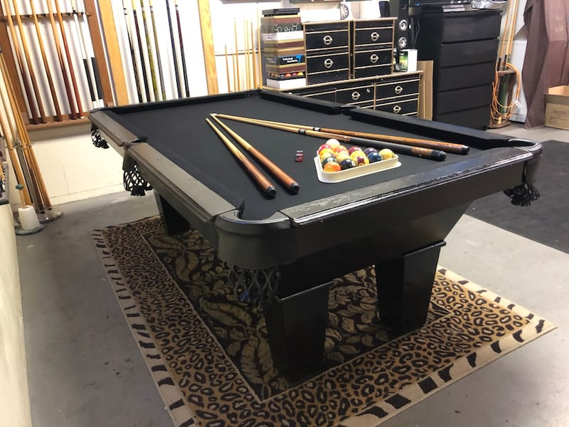 Classy 7' Pool Table - Brand New Felt - Can Deliver ! bd99300a-e6f6-4314-8e47-c09be48f38ac
