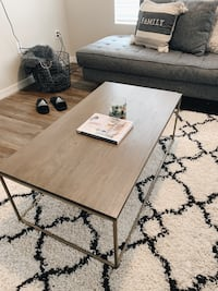 West Elm coffee table  Las Cruces, 88001