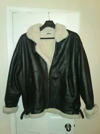 100% Leather Jacket /w White lining. Dallas, 75237