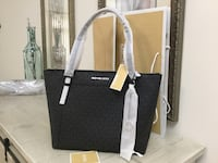 Michael Kors authentic purse brand new ,in original packaging. Vaughan, L4H 3J8