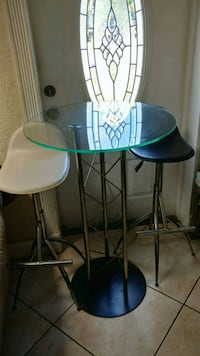 round glass top table with two chairs Pembroke Pines, 33024