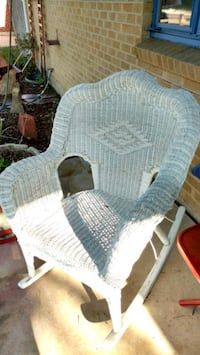 wicker rocking chair  Englewood, 80110