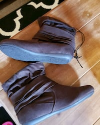 BRAND NEW SUEDE BOOTS McMinnville, 37110