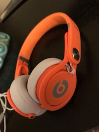 Beats Mixr wired headphones 1946 km