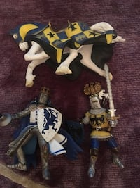 3 Pieces of PAPO FIGURES, 2KNIGHTS AND ONE HORSE.