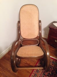Rattan rocking chair in A1 condition. Pick up only. Richmond Hill, L4C 6C5