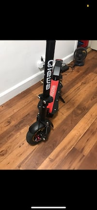 Q1Hummer by Qiewa (electric scooter) like new, only 1 month old.  New York, 10002
