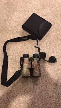 Nikon Monarch Realtree Binoculars 10x42. Like brand new Reston, 20191