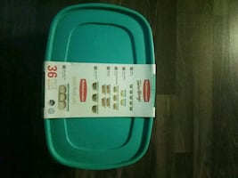 Rubbermaid containers New