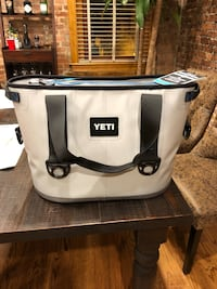 YETI Hopper 20 Cooler (Grey) Washington, 20009