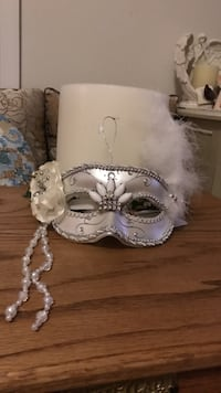 Pretty!!! beaded White & Silver face mask Gainesville, 20155