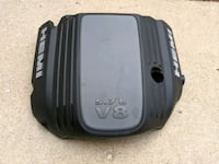 5.7L Hemi engine cover from 2013 Chrysler 300 Wheaton, 60189