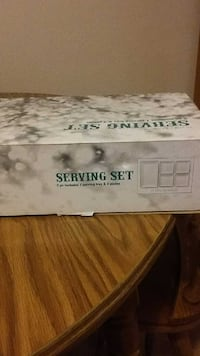 serving set, brand new, great for a gift River Grove, 60171