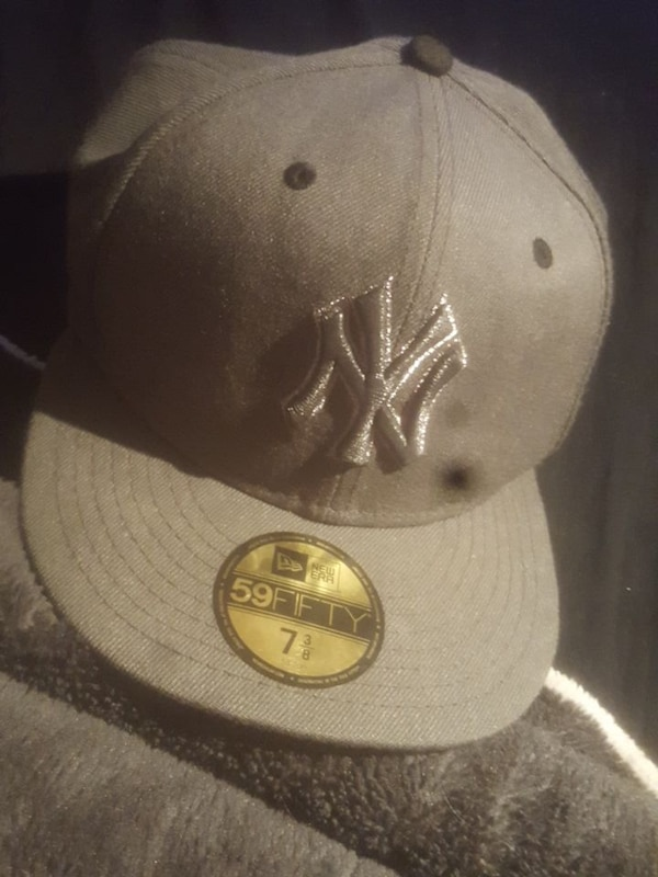 f54a2d73c7e761 Used Grey new york yakes hat for sale in Windsor - letgo