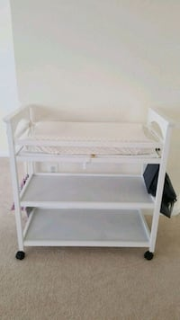 Changing table, pad, neutral slip cover, and caddy Manassas, 20112