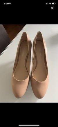Nine West high heels size 6 1/2 taupe color Worn once. Paid 75$