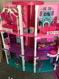 Barbie Dreamhouse Washington, 20012