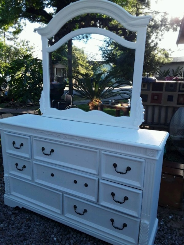 Solid wood White large 8 drawer dresser with mirro 4